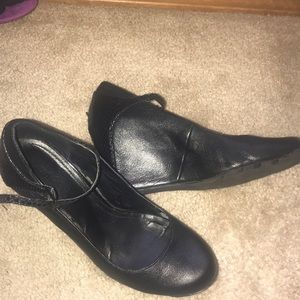 EUC Kenneth Cole Mary Janes